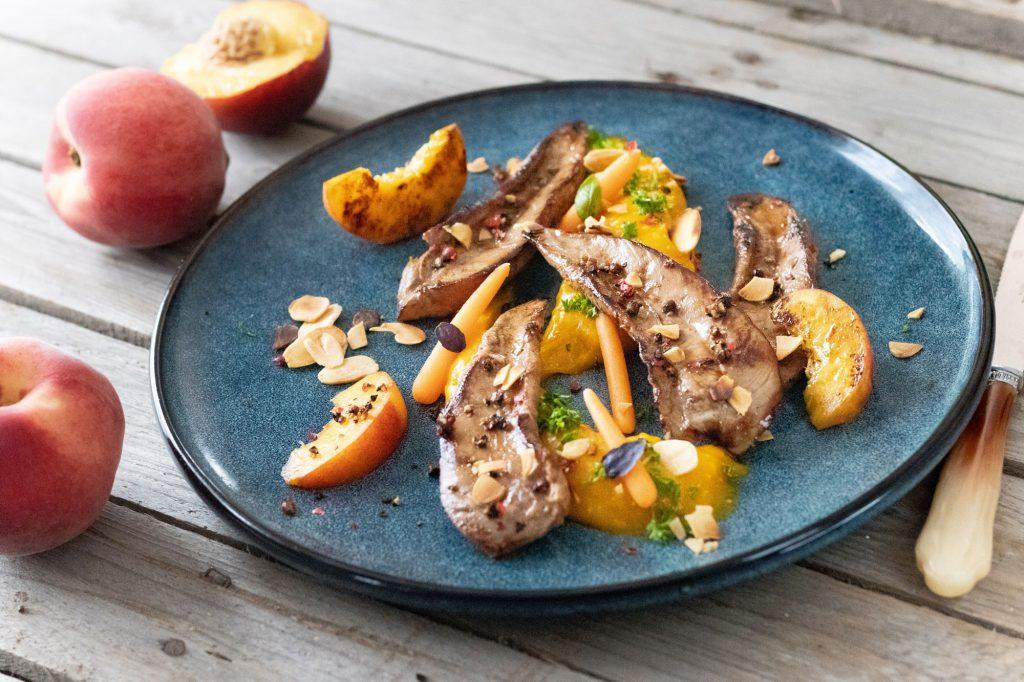 Recette d'aiguillettes de canard fermier des Landes et purée de carottes et pêches rôties