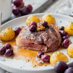 Recette de tournedos de magret de canard et sauce raisin armagnac pour personnes